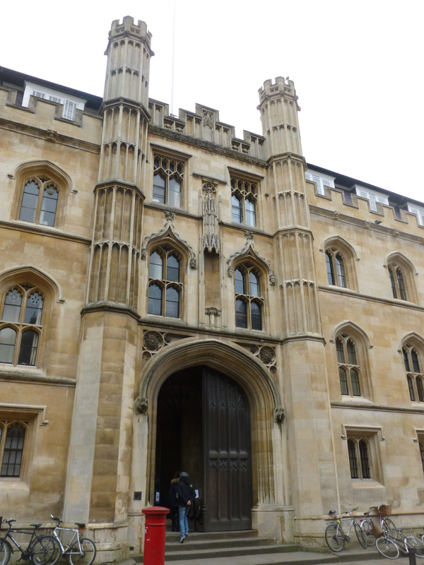 515_Cambridge-College_web